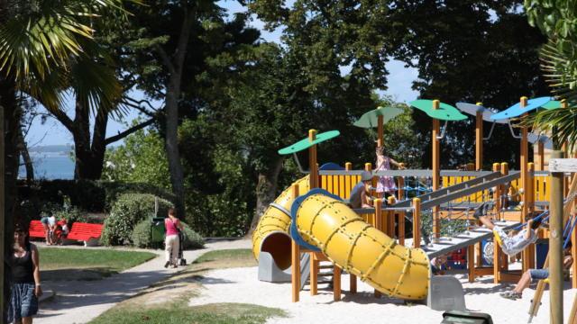 Aire De Jeux Parc Mauresque