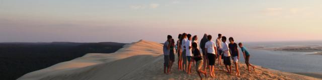Coucher De Soleil Dune Avec Groupe