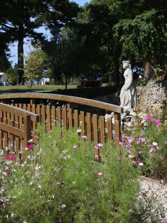 Petit Pont Parc Mauresque2